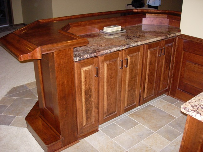 Home bar photos and ideas for Built in bar counter
